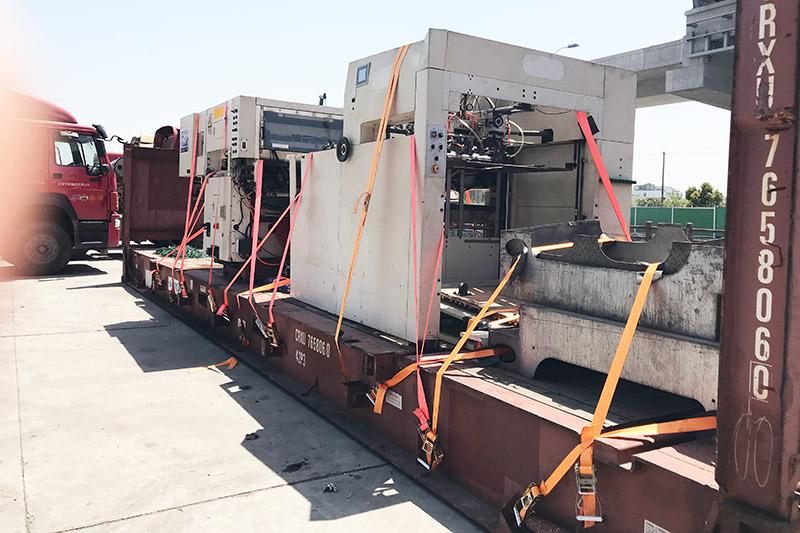 心龙物流为模切机提供货物物流运输服务!